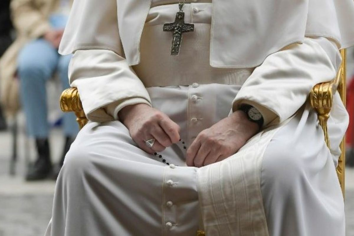 Папа запрошує на«молитовний марафон» протягом травня