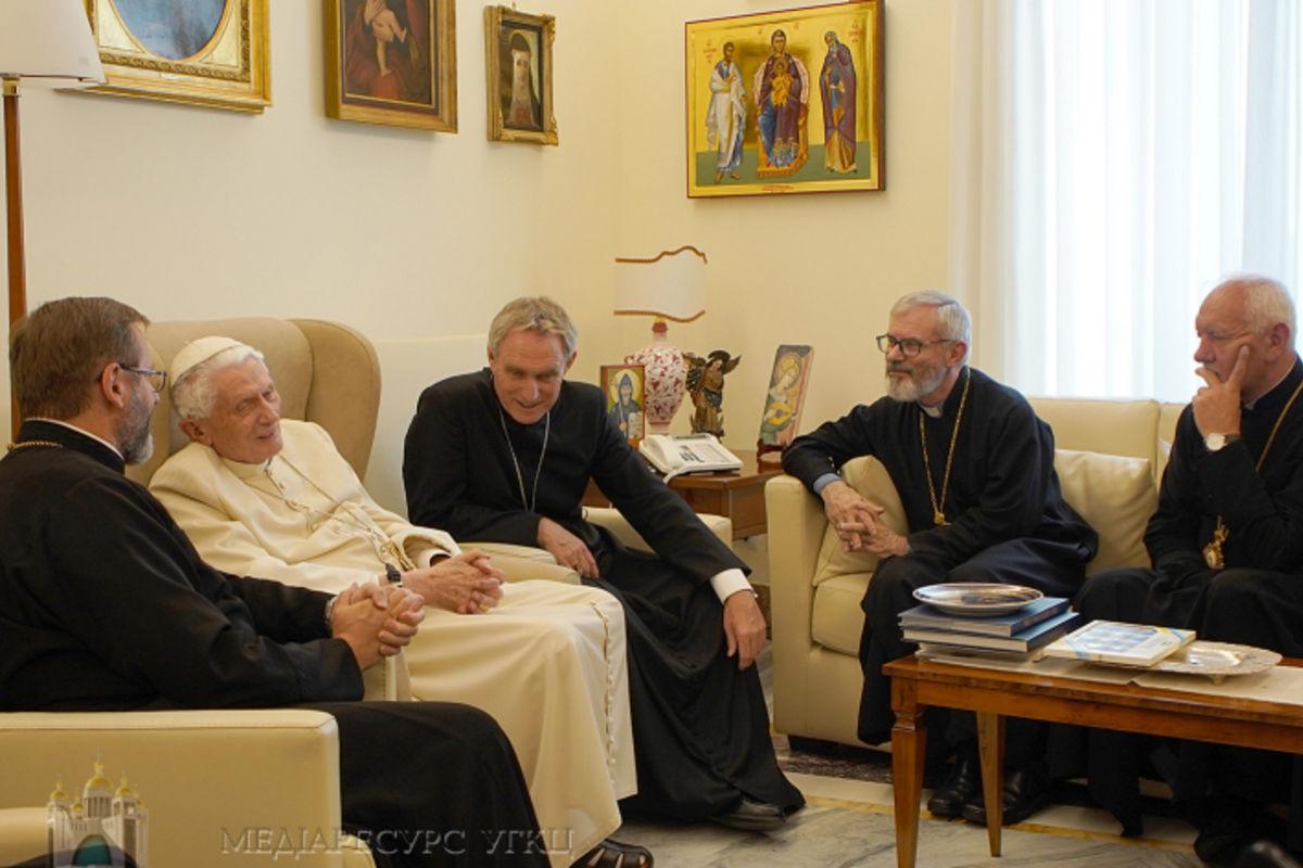 «Плекайте єдність усучасному поділеному тарозпорошеному світі»,— папа Венедикт XVI доделегації Синоду Єпископів УГКЦ