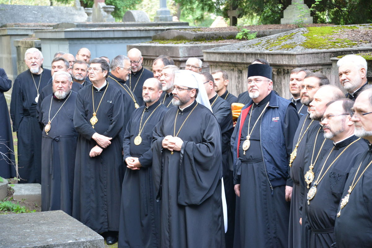 Єпископи Української Греко-Католицької Церкви прибувають доРиму наСинод УГКЦ