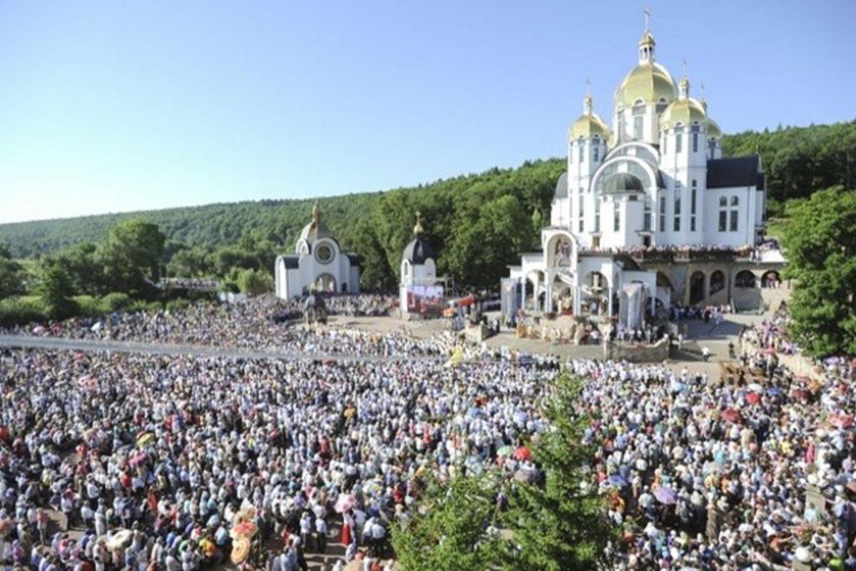 Завтра Зарваниця долучиться до«молитовного марафону», ініційованого Папою